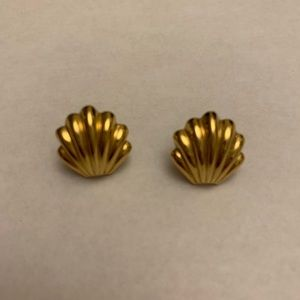Vintage Gold Seashell Earrings